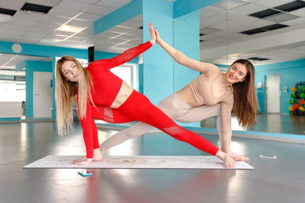 BFF 2-Person Yoga Poses